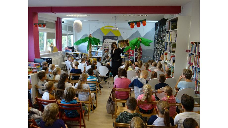 Piszę dla dzieci i dla dorosłych, którzy nie zapomnieli, że byli kiedyś dziećmi…-  spotkanie autorskie z Katarzyną Wasilkowską