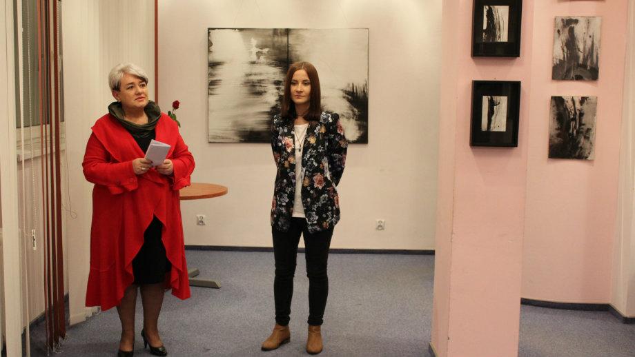Malarstwo Natalii Krzywdy - wystawa w Saloniku Artystycznym Biblioteki